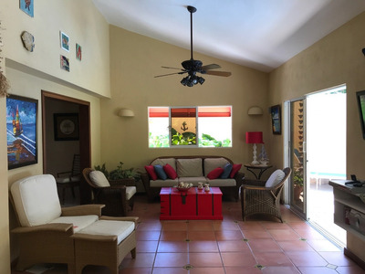 Villa En Metro Country Club Amueblada 250,000u$d Negociable