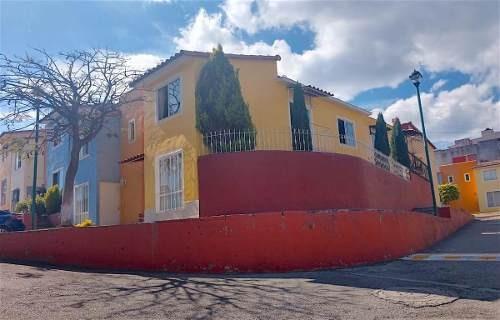 Venta De Casa Con Alberca, Lomas Tzompantle, Cuernavaca...clave 3039