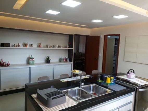 Apartamento Para Venda Em Volta Redonda, Jardim Amália, 4 Dormitórios, 1 Suíte, 2 Banheiros - 166_2-922187