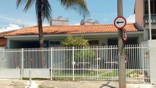 Bela Casa Com 03 Dormitórios No Centro. - Ca0178