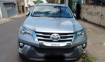 Hilux Sw4 Srx At 2.8 Diesel Turbo 7 Lugares Prata 2016