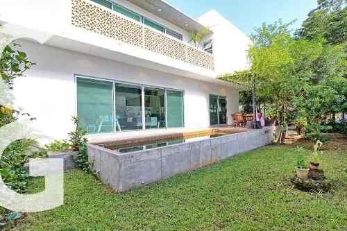 Casa En Venta En Cancun En Residencial Lagos Del Sol De 3 R