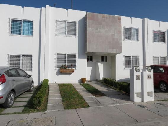 Casa En Venta En Viñedos # 20-144