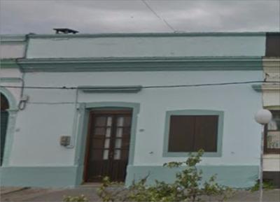 Casa A Una Cuadra De La Plaza