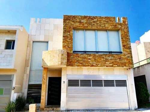 Casa En Venta En Fracc. Lomas Residencial. Alvarado, Ver. Con Vigilancia