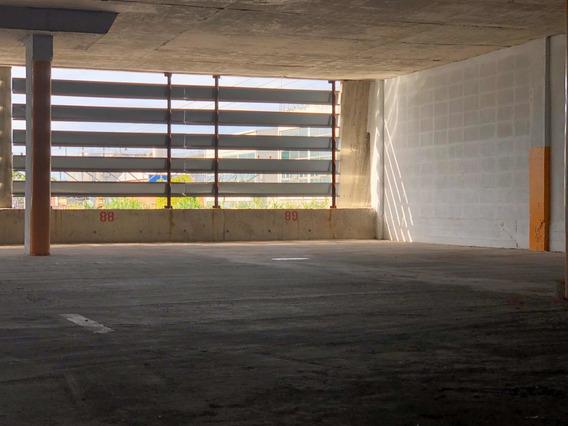 Cochera , Garage, Dueño Vende En Pesos.
