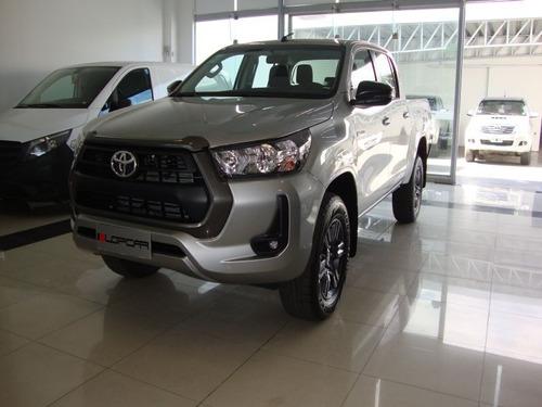 Imagen 1 de 14 de Toyota Hilux Sr 2.8 Tdi Dc 4x4 6mt L/nueva