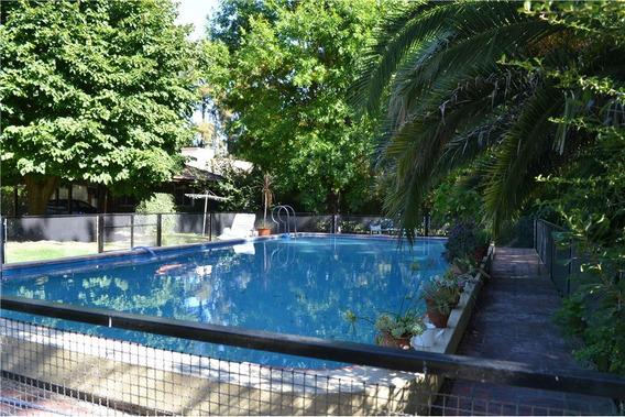 Casa En Venta, 4 Dormitorios, Gran Parque Y Pileta