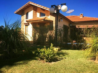 Casa 3 Dorm Sala Com Lareira 3 Wc Piscina Churrasq Pomar