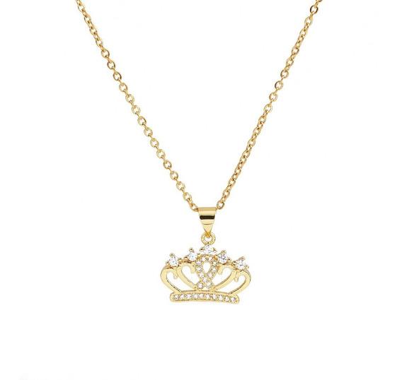Collar Con Corona De Piedras Brillosas Cadena Color Oro
