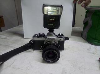 Camara Nikon Fm1 Con Su Flash