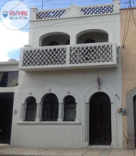 Casa En El Centro De La Ciudad, Apta Para Oficinas O Vivienda