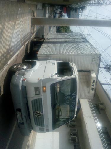 Imagem 1 de 3 de Faço Frete Ou Agrego Este Caminhão