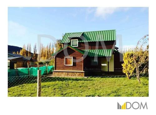 Casa De 3 Dormitorios, Con Parque Propio - San Martín De Los Andes