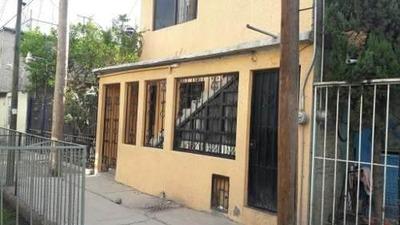 Casa En Venta Con 2 Departamentos Independientes En Ermita Z