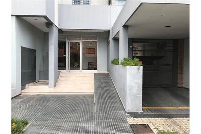 Alquiler Cochera A Pasitos De La Escuela Normal