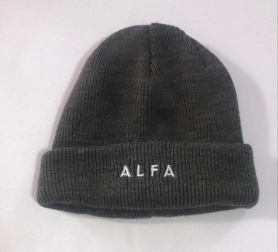 Gorro/toca Alfa