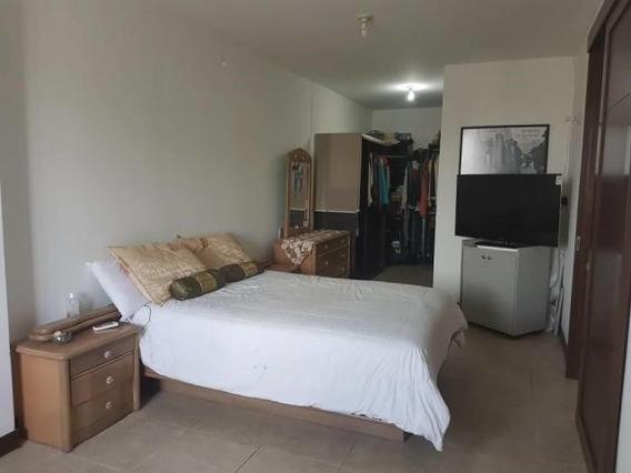 Apartamento En Venta Zona Este 20-120 Mmm