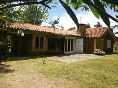 Casa Amplia Y Cómoda En Principal Avenida De El Pinar Sur.