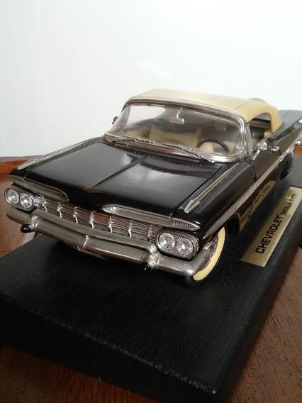 Miniatura Chevrolet Impala 1959 Escala 1/18 Com Suporte