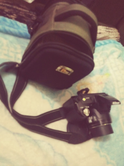 Camera Semiproficional Em Otimo Estado Com Carregador Pilha