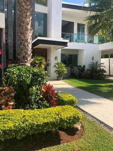 Casa A La Venta En Lagos Del Sol, Cancún