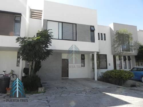 Hermosa Casa De 3 Niveles En Santillana Coto 7