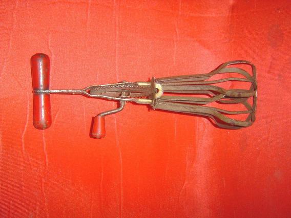 Antiguo Batidor Manual Marca Eivar Ref. 553