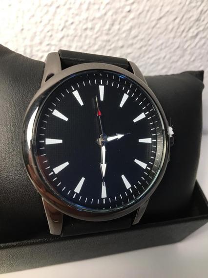Relógio Com Design Elegante - Clássico
