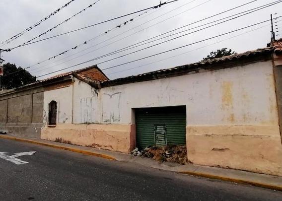Comercial En Venta Centro De Barquisimeto 20-11729 App 04121548350