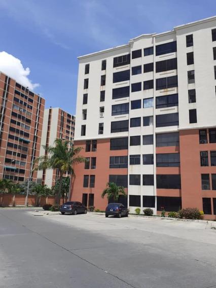 Apartamento En El Bosque Resd.camoruco-vanessa 04243219101