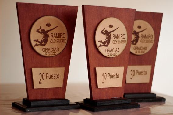 Terna De Trofeos Grabadas Y Personalizadas