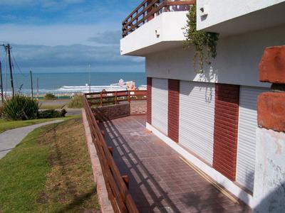 Dto. Frente Al Mar Nuevo Tres Dormitorios Cochera
