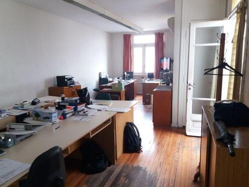Imagen 1 de 18 de Muy Linda Oficina De 186 M2 En Edificio Antiguo. Mucha Luz.
