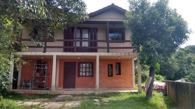 Casa Em Teresópolis Com 3 Dormitórios - Bt5820