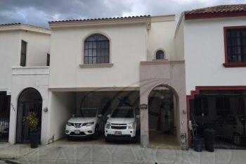 Hermosa Casa Amueblada , En Colonia Privada , Carretera Nacional.opción A Venta Sin Muebles