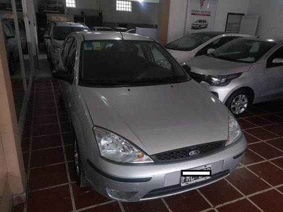 Ford Focus 1.6 8v Ambiente 5p 2006