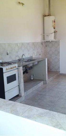 Alquiler De Departamento 1 Dormitorio En Villa Elisa.