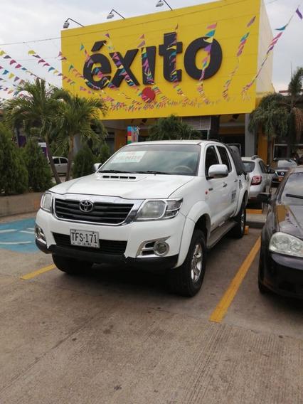 Toyota Hilux Hilux 2013
