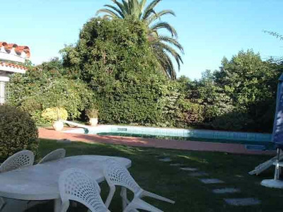 Amplio Chalet De Tejas, 1 Planta. 6 Dorm