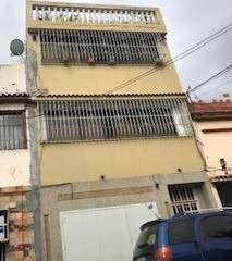 Venta Casa De 4 Pisos En San Agustín Del Norte