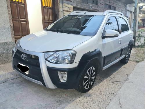 Toyota Etios Cross 1.5 Mt