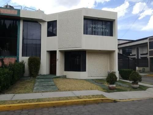 Casa Sola En Venta Avenida Universidad, Privada Del Rosal