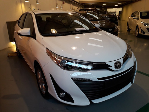 Nuevo Toyota Yaris 1.5 Sedan Xls 4 P Cvt - Aa