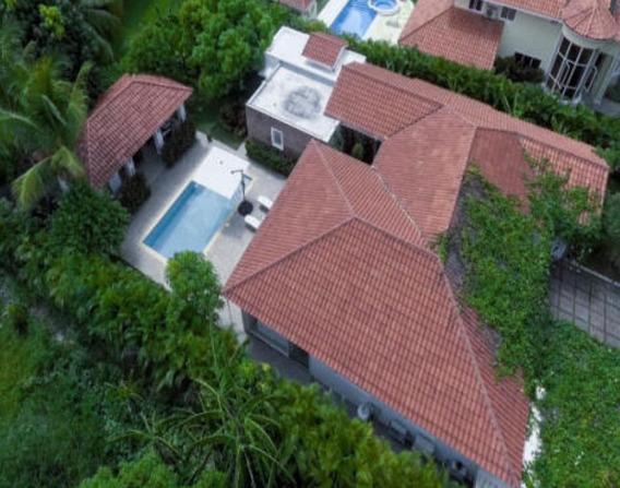 Hermosa Villa Amueblada En Punta Cana