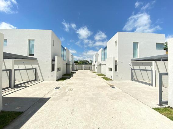 Venta Duplex 2 Dorm, City Bell, Calle 464 E/ 21a Y 21b