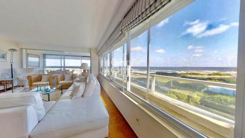 Espectacular Penthouse Ubicado En Punta Del Este Con Las Mejores Vistas- Ref: 24249
