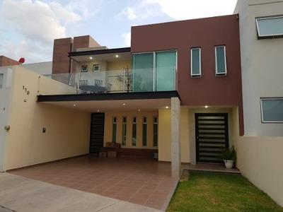 Casa En Venta En Punta Del Este León Gto, Frente Área Verde
