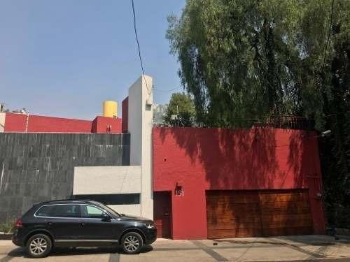 Excelente Residencia Estilo Barragán.