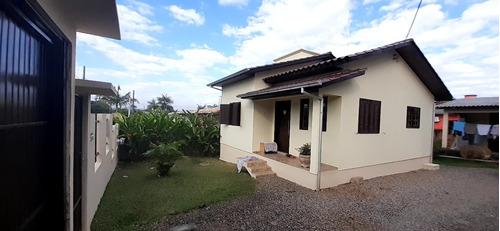Imagem 1 de 10 de Casa No Bairro Ana Maria-criciuma Sc